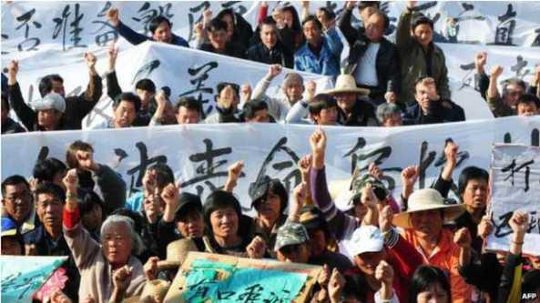 x141015104458_yunnan_protest_624x351_afp_nocredit.jpg.pagespeed.ic.6Bg9LZykE6