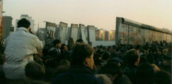ft-berlin-wall